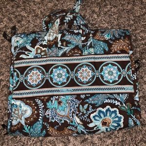 Travel makeup/jewelry carrier